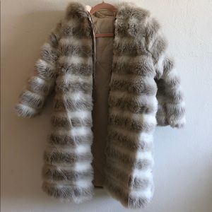 Jackets & Blazers - Vintage Light Grey/Tan & White Faux Fur Coat